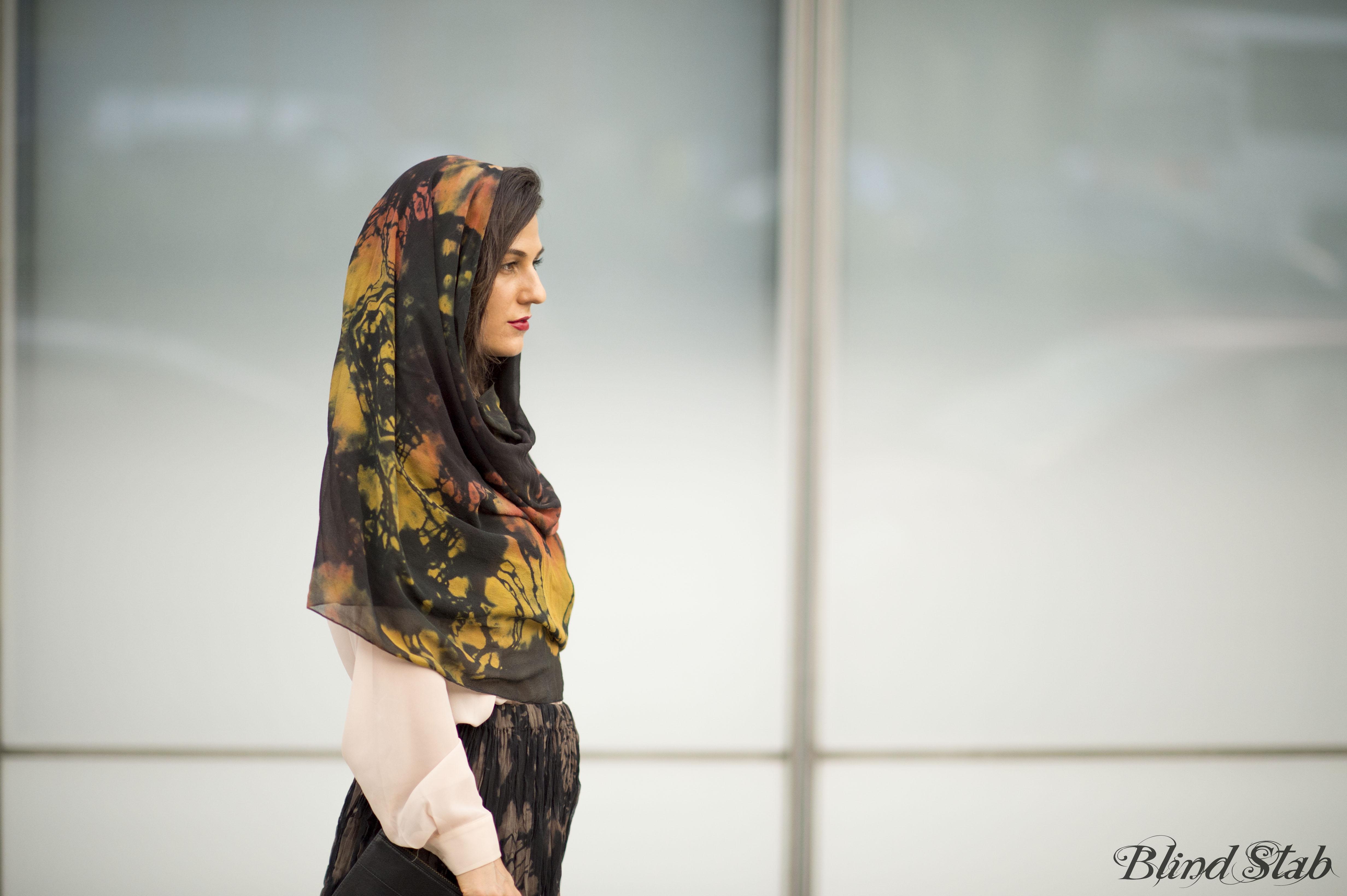 Curvy-Woman-Street-Style-Headscarf