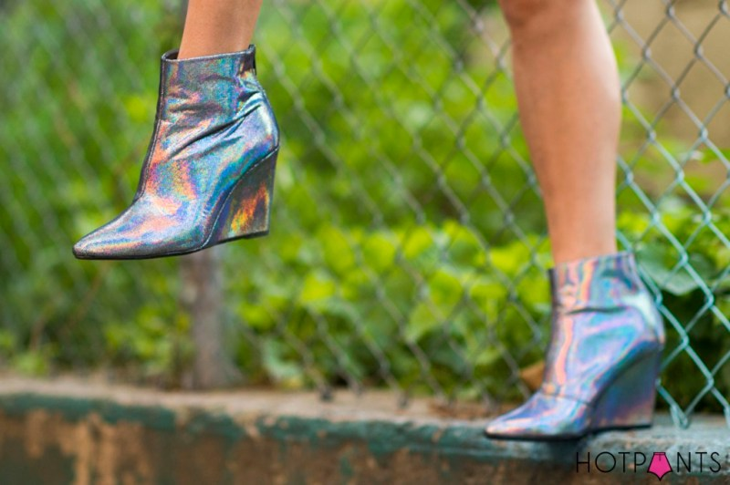 do-the-hotpants-dana-suchow-hm-holographic-mirrored-wedge-boots-16